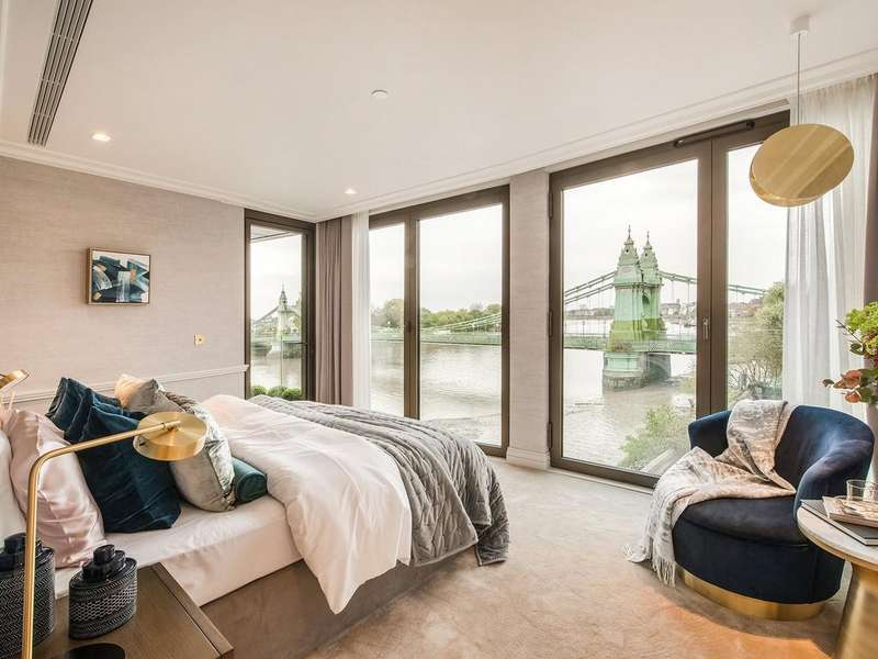3 Bedrooms Apartment Flat for sale in Queen's Wharf, Hammersmith, W6