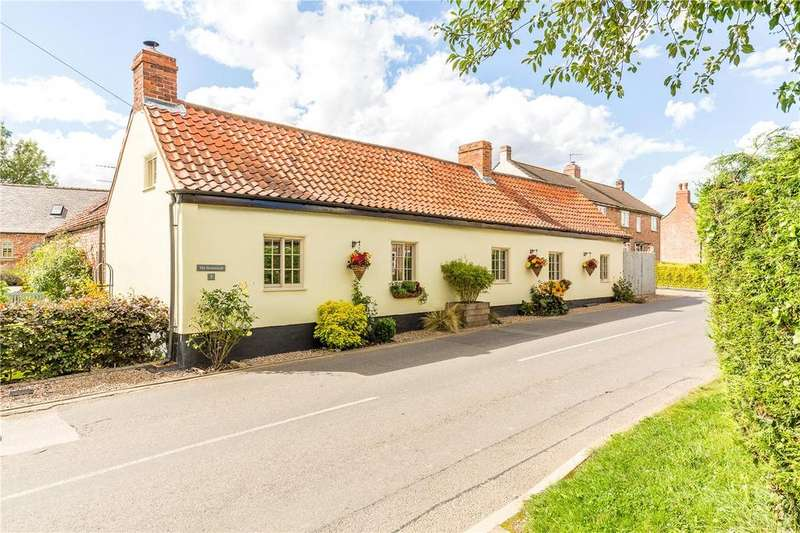 3 Bedrooms Detached House for sale in High Street, Eagle, Lincoln, Lincolnshire, LN6
