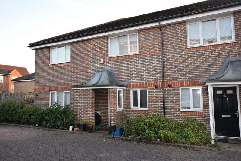 4 Bedrooms End Of Terrace House for sale in Quarles Park Road, Chadwell Heath, RM6