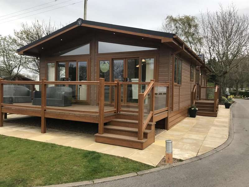 3 Bedrooms Bungalow for sale in Chantry Country Retreat, West Witton, Leyburn, DL8 4NA