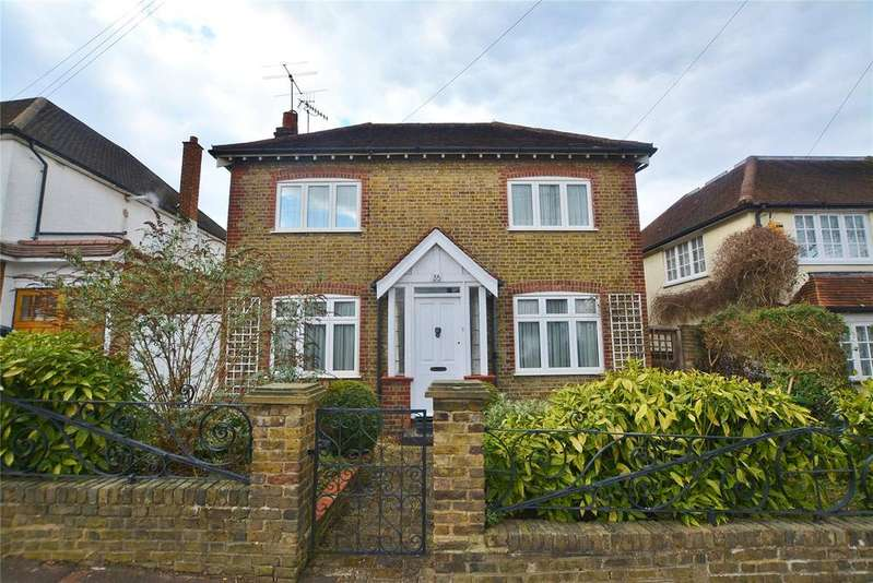 3 Bedrooms Detached House for sale in Bournehall Avenue, Bushey, Hertfordshire, WD23