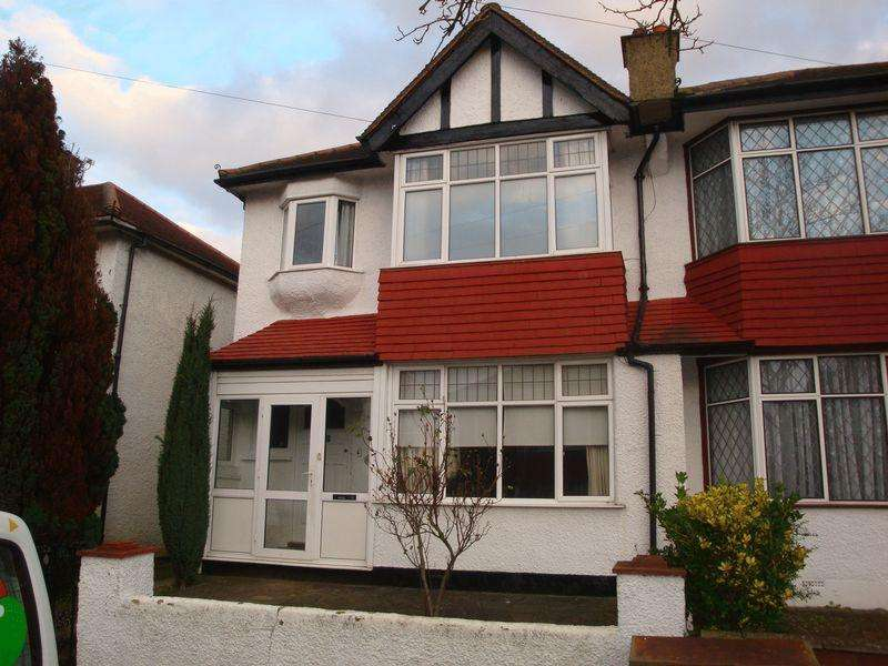 3 Bedrooms Semi Detached House for rent in Wallington