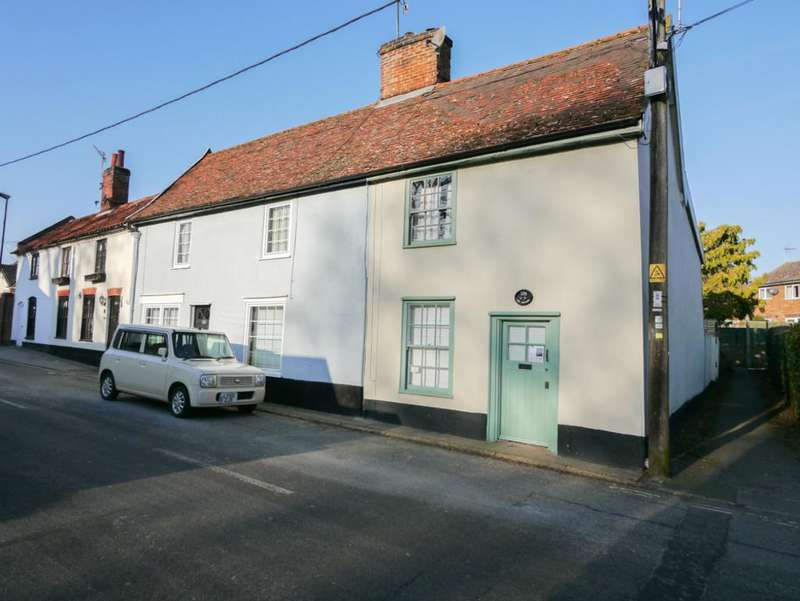 2 Bedrooms Cottage House for sale in High Street, Wickham Market, Suffolk