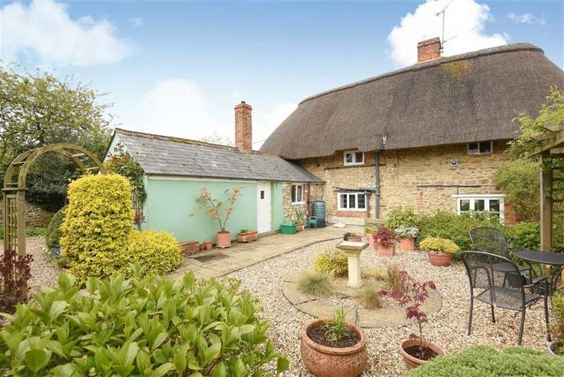 3 Bedrooms Cottage House for sale in Great Coxwell, Oxfordshire
