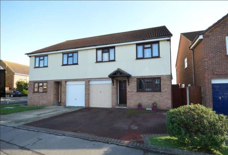 4 Bedrooms Semi Detached House for sale in Swanbourne Drive, Hornchurch
