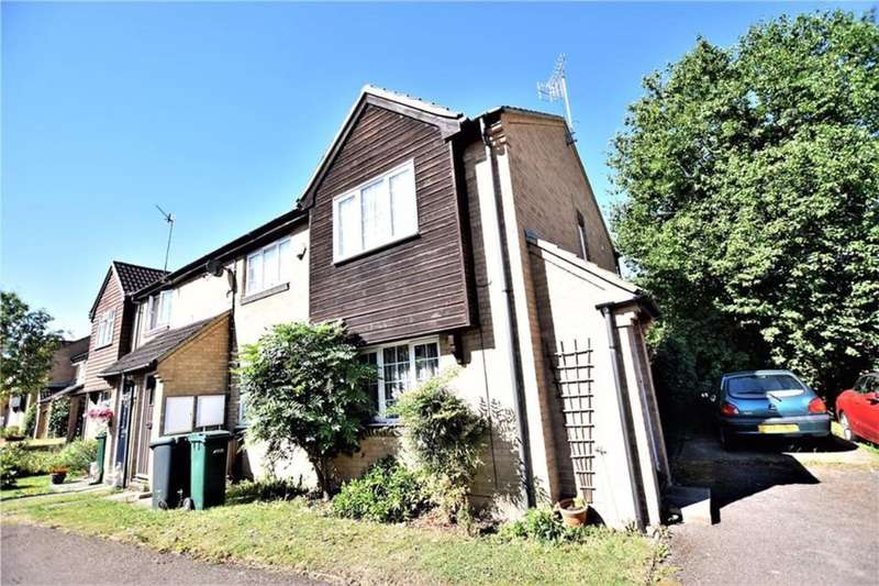 2 Bedrooms Semi Detached House for rent in Roman Gardens, Kings Langley, WD4