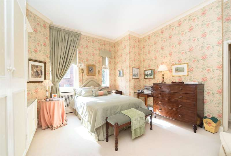 2 Bedrooms Flat for sale in Sloane Court West, Chelsea, London, SW3