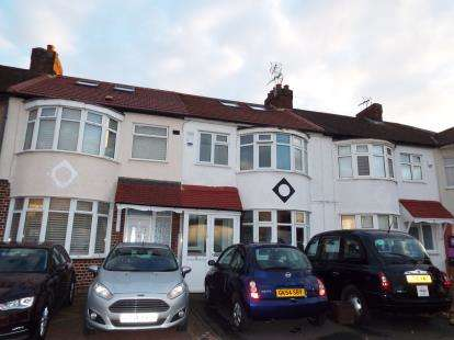 4 Bedrooms Terraced House for sale in Cameron Drive, Waltham Cross, Hertfordshire