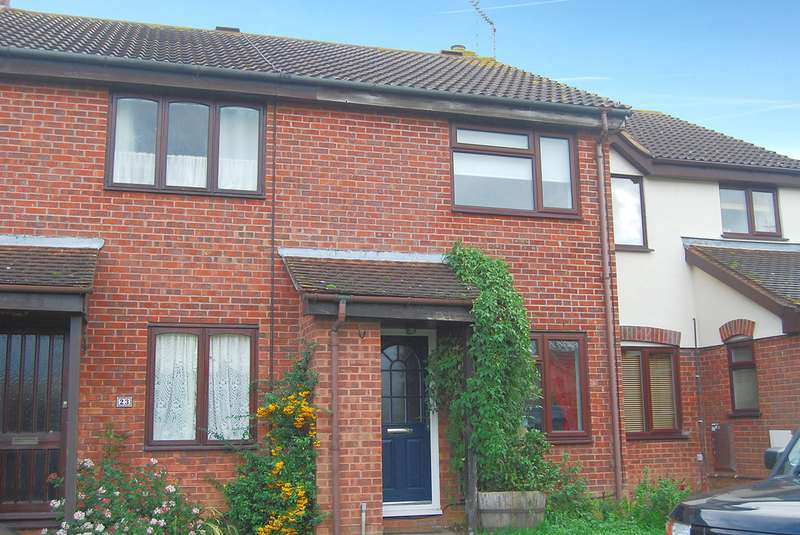 2 Bedrooms Terraced House for sale in Meades Close, Marden TN12