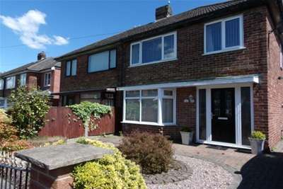 3 Bedrooms House for rent in Kentmere Avenue, Preston