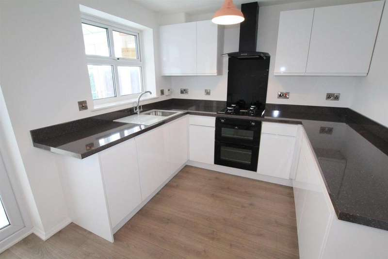 3 Bedrooms Semi Detached House for sale in Cowdray Close, Woodham, Newton Aycliffe