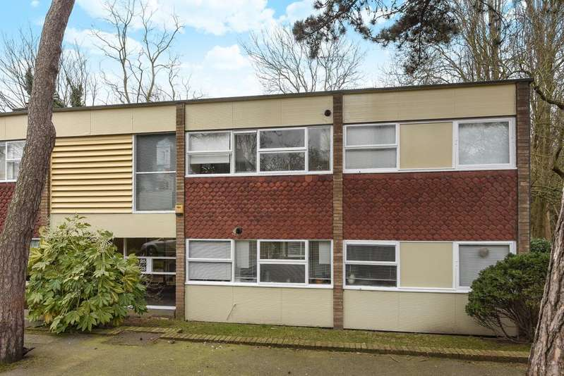 2 Bedrooms Flat for sale in Priory Park Blackheath SE3