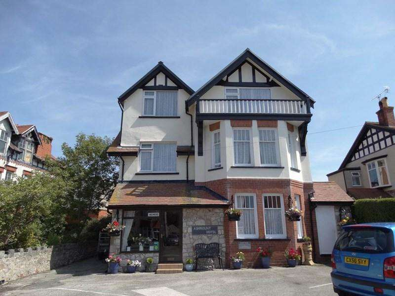 10 Bedrooms Guest House Commercial for sale in The Ashmount, Rhos on Sea