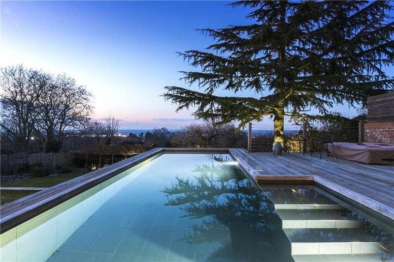 6 Bedrooms Detached House for sale in Downside Road, Guildford, Surrey, GU4
