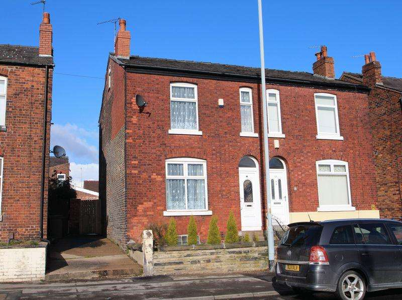 2 Bedrooms Semi Detached House for sale in Carrington Road, Portwood