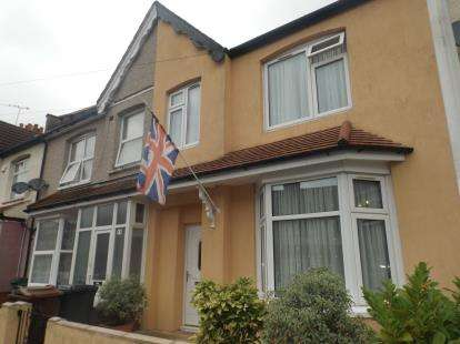 5 Bedrooms Terraced House for sale in Chadwell Heath, London, United Kingdom