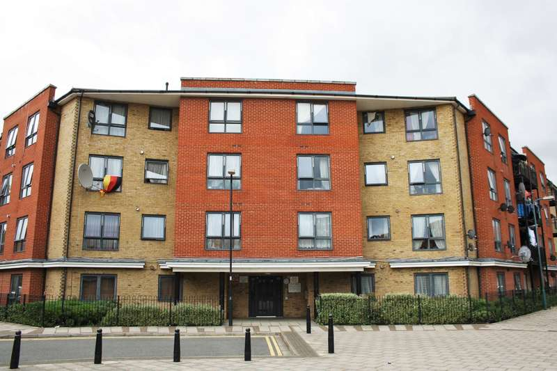 1 Bedroom Ground Flat for sale in Loxley House , Hirst Crescent , Wembley, HA9 7HL