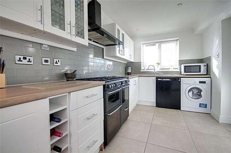 3 Bedrooms Semi Detached House for sale in Emmetts Gardens, Ingleby Barwick