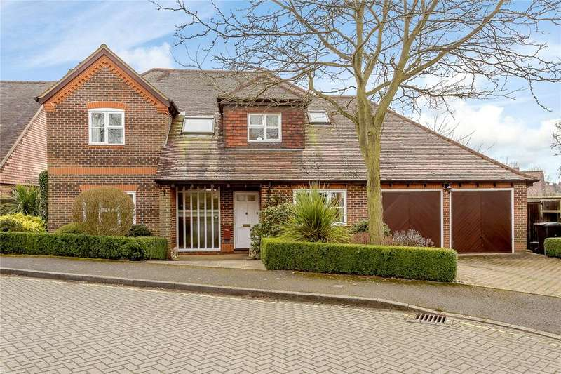 4 Bedrooms Detached House for sale in Hitherfield Lane, Harpenden, Hertfordshire