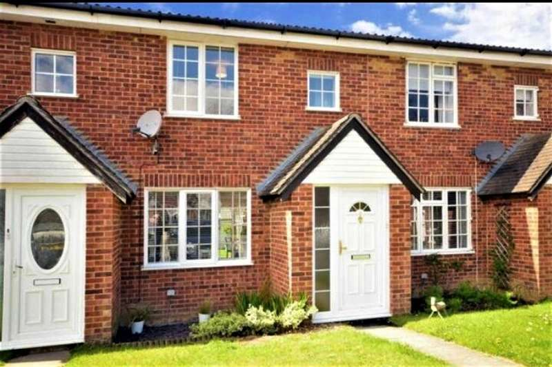 3 Bedrooms Terraced House for sale in Stoneybrook, Horsham