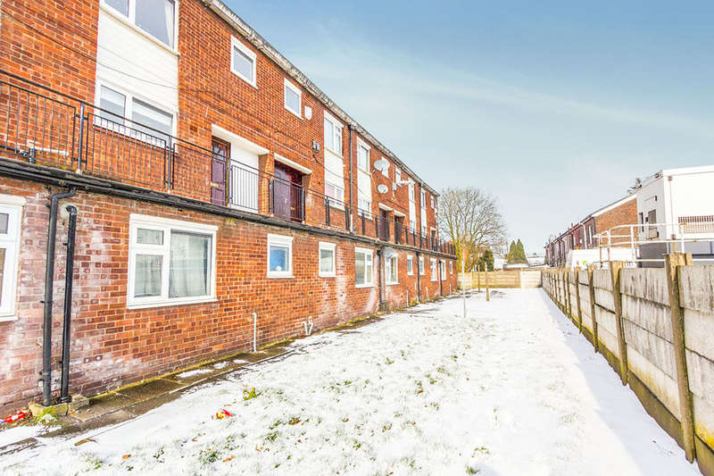 2 Bedrooms Flat for sale in Eton Hill Road, Radcliffe, Manchester, M26