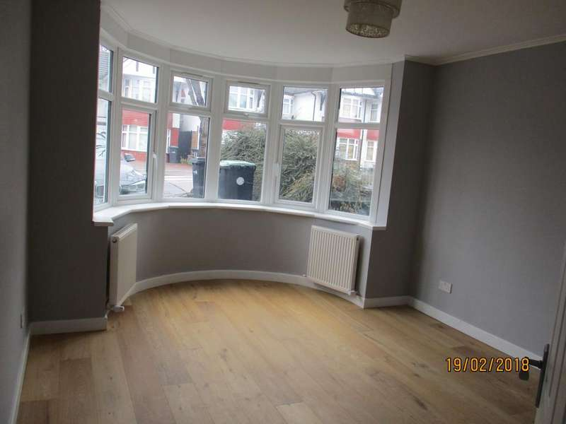 3 Bedrooms Semi Detached House for rent in edmonton, london N18