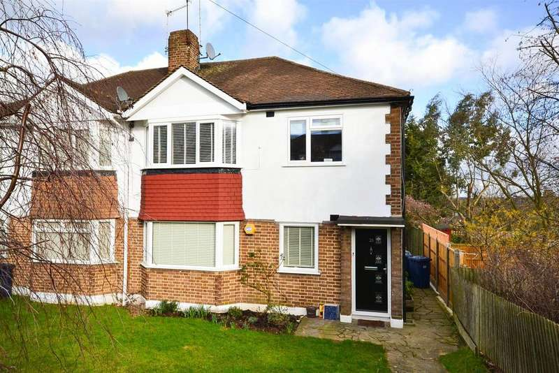 3 Bedrooms Maisonette Flat for sale in Meadway Close, High Barnet