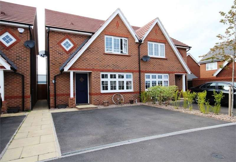 3 Bedrooms Semi Detached House for sale in Corrib Road, Nuneaton, Warwickshire