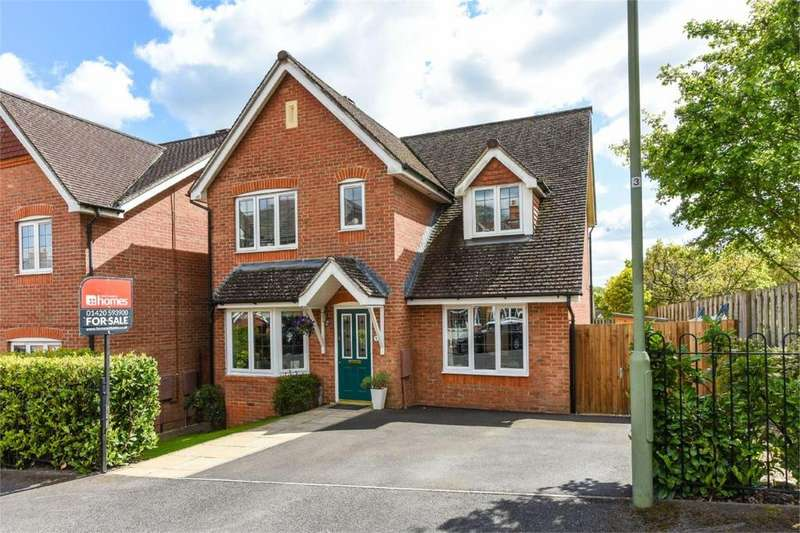 4 Bedrooms Detached House for sale in Burnham Road, Alton, Hampshire