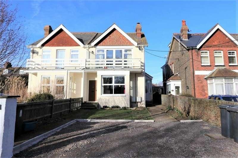 2 Bedrooms Flat for sale in Pevensey Road, POLEGATE, East Sussex