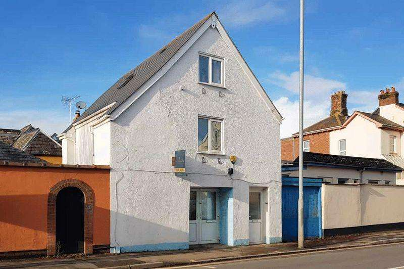 3 Bedrooms Maisonette Flat for sale in Commercial Space and Maisonette, Alphington Road, Exeter