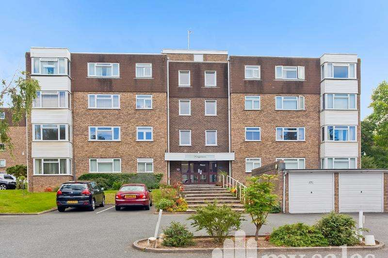 2 Bedrooms Flat for sale in Kingsmere, London Road, Brighton, BN1