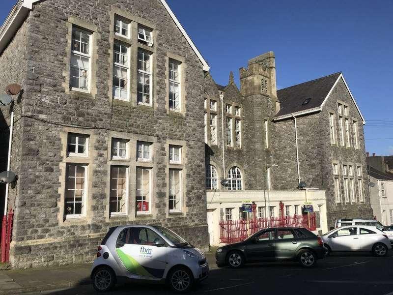 1 Bedroom Maisonette Flat for rent in Old Coronation School, Pembroke Dock, Pembrokeshire