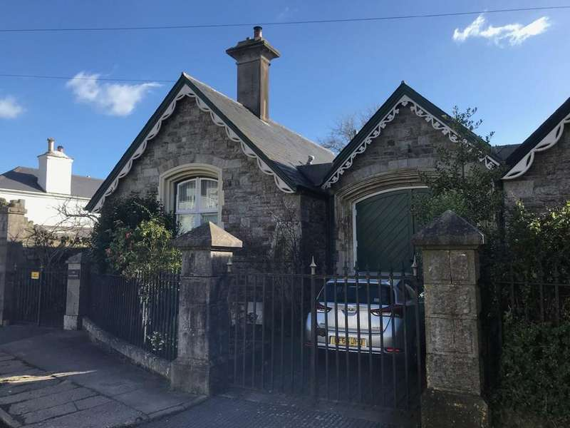 3 Bedrooms Semi Detached House for sale in 82 East Street, Ashburton