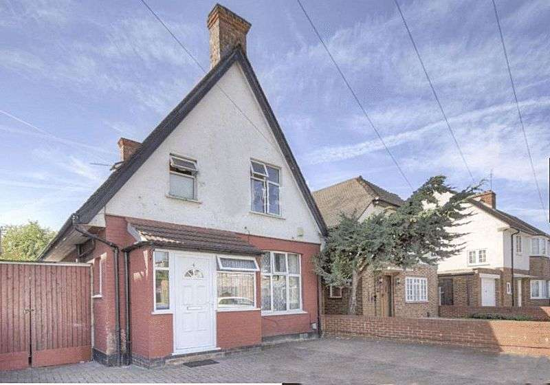 3 Bedrooms Property for sale in Park Road, Wembley