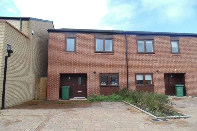 3 Bedrooms Semi Detached House for rent in Ivy Drive, Stockton-On-Tees, TS18