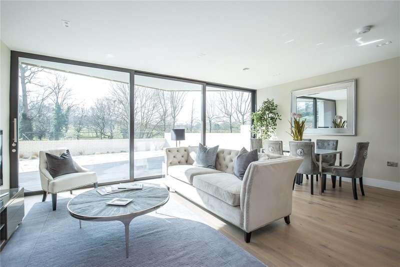 3 Bedrooms Apartment Flat for sale in Bishops Wood Court, 29 Aylmer Road, London, N2