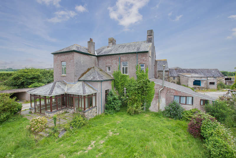 4 Bedrooms Land Commercial for sale in Strashleigh Farmhouse & Buildings, Ivybridge - Lot 1