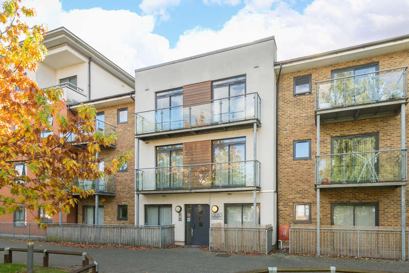 1 Bedroom Flat for sale in Hither Green Lane, London SE13 6TD