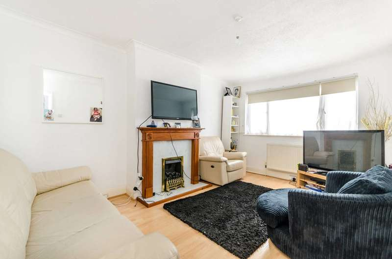 2 Bedrooms Maisonette Flat for sale in Meadowview Road, Sydenham, SE6