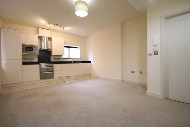 2 Bedrooms Ground Flat for rent in **FIRST MONTHS RENT HALF PRICE** Springhill Court, Bewdley