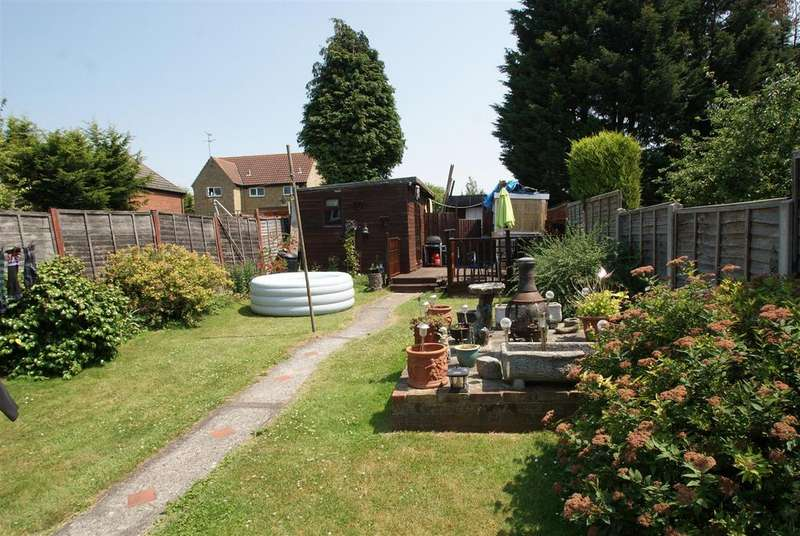 3 Bedrooms House for sale in The Drive, Rochford