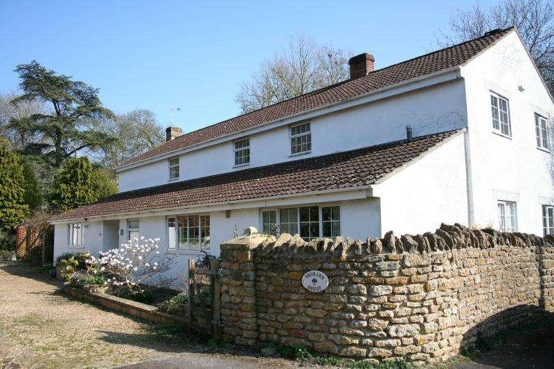 5 Bedrooms Detached House for sale in South Street, Milborne Port, Sherborne, Dorset