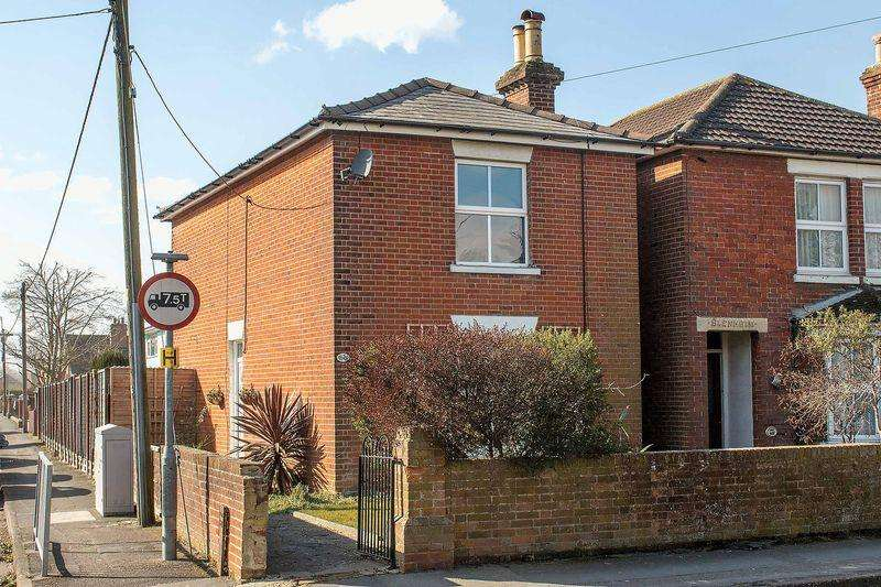 3 Bedrooms Detached House for sale in Eling