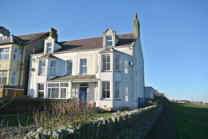 5 Bedrooms Semi Detached House for rent in Holyhead, Anglesey