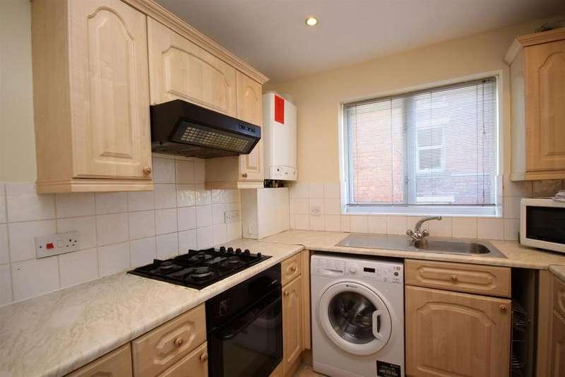 1 Bedroom Flat for sale in Elizabeth Court, Queens Road, Southport
