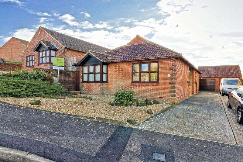 3 Bedrooms Bungalow for sale in Highview, Lancing