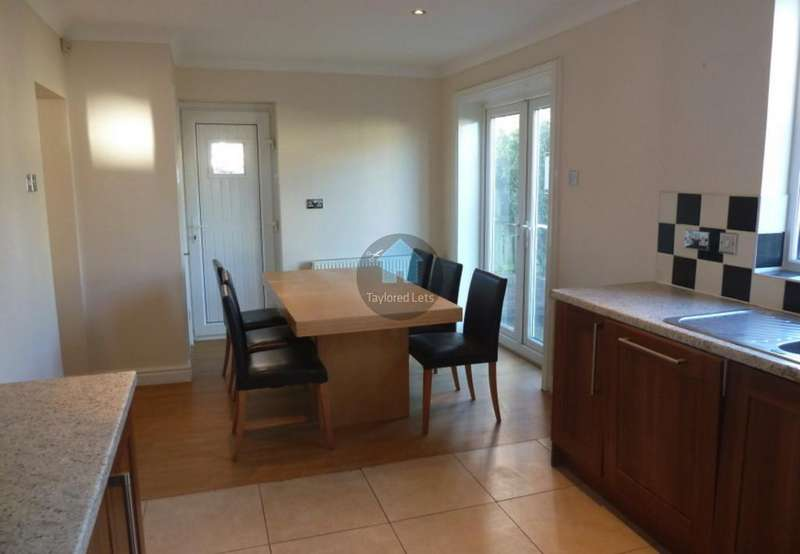 3 Bedrooms Semi Detached House for rent in Ravenshill Road, West Denton, Newcastle upon Tyne NE5
