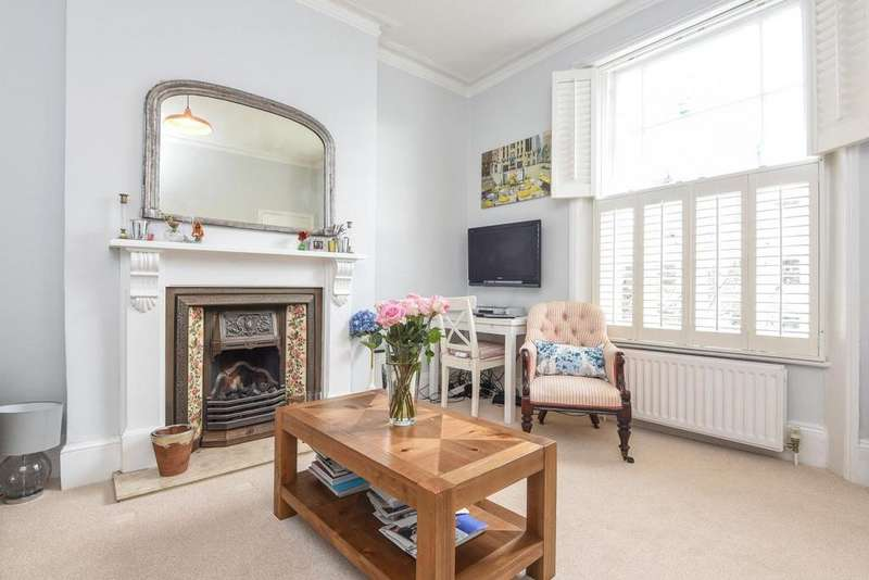 1 Bedroom Flat for sale in Priory Terrace, South Hampstead