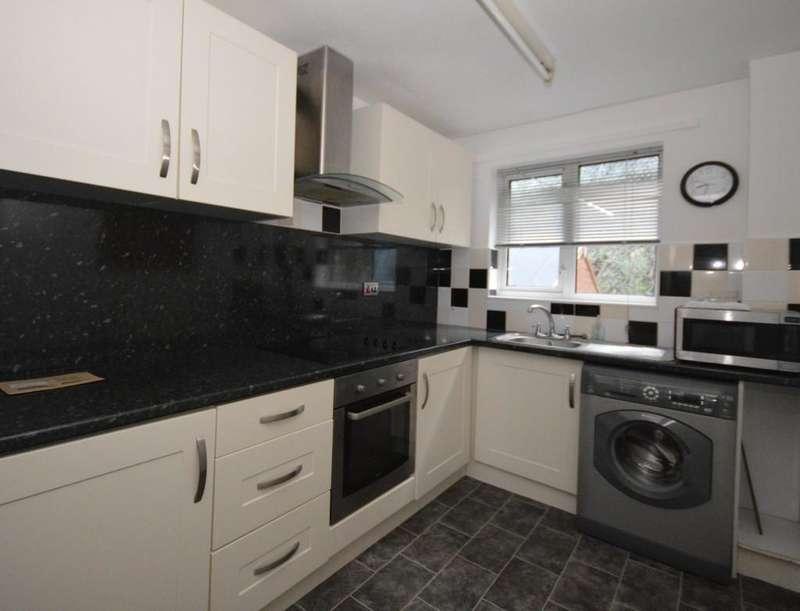 2 Bedrooms Terraced House for sale in Ger Y Mynydd, Bangor, North Wales